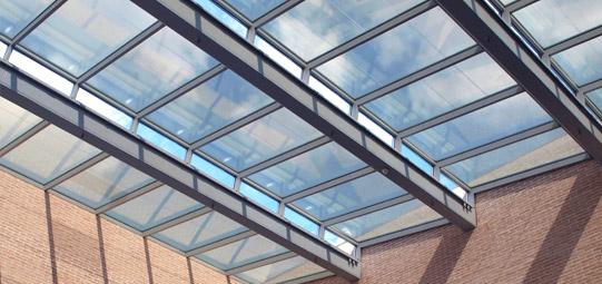 Vidrio fotovoltaico con protección solar
