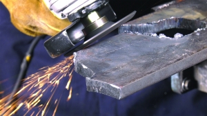 desbaste de metal