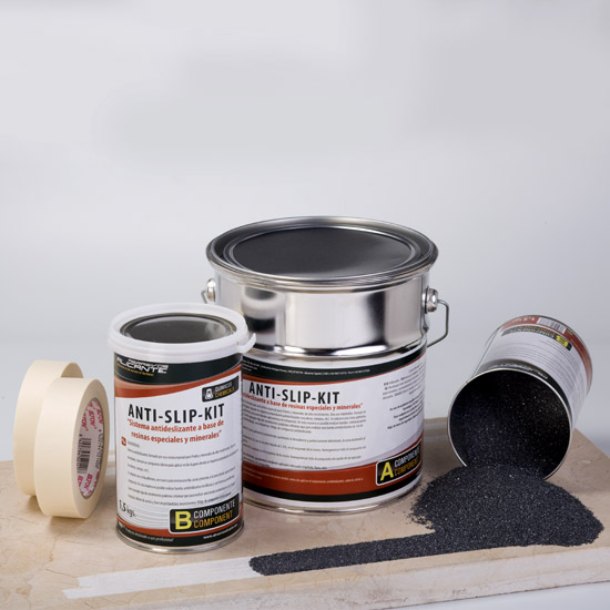 ANTI-SLIP KIT. Sistema antideslizante a base de resinas especiales y minerales