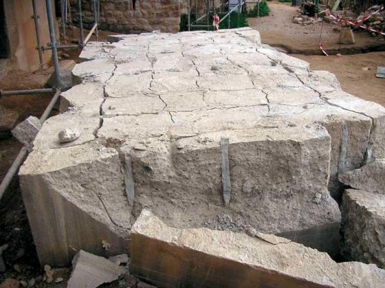 base_eliminar_hormigon_grua_cras_andamio_barreno_cemento_expansivo_rotura_relleno_demolicion